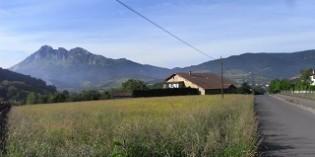 Elorrio pone a la venta una finca rústica edificable en el barrio de Zenita