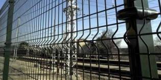 Adif instala cerramientos de seguridad en varias estaciones de Bizkaia