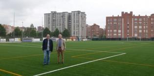 El campo de fútbol de Ansio estrena hierba artificial