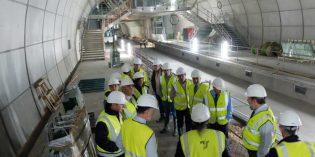 Una delegación de las Juntas Generales visitan las obras de la Línea 3 del metro