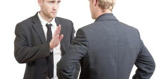 Extinción de la relación laboral por impago de salarios, y permanencia del trabajador en el puesto de trabajo