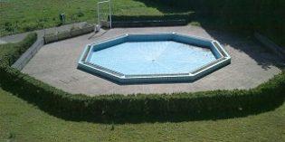 Ortuella renovará 2.000 metros cuadrados de césped de las piscinas municipales