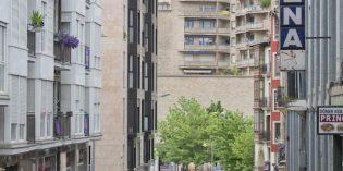 Eibar remodelará la fachada del módulo residencial del frontón Astelena