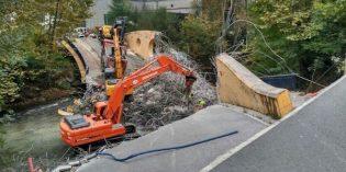 URA acomete la demolición del puente derrumbado en el Urumea
