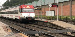 Adif mejorará los pasos entre andenes en 10 estaciones vascas
